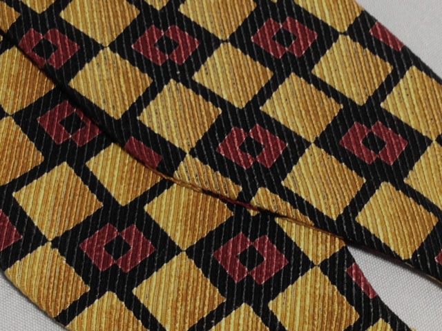 Lanae Joy Bow Ties Maroon Gold - hand stitched in Italy; luxury, distinction
